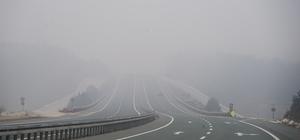 Kastamonu'da sis nedeniyle göz gözü görmüyor 3 gündür etkisini sürdüren sis, sürücülere zor anlar yaşatıyor