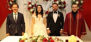 Yalova Belediye Başkan Vekili Tutuk, 2021 yılının ilk nikahını kıydı