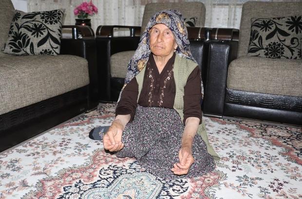 Yaşlı kadına kabusu yaşattılar 80 yaşındaki kadını yalnız yaşadığı evinde darp edip altın bileziklerini çalan zanlılar yakalandı Yaşlı kadın yaşadığı dehşet anlarını anlattı