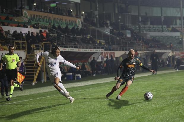 Süper Lig: Aytemiz Alanyaspor: 1 - Kasımpaşa: 2 (İlk yarı)