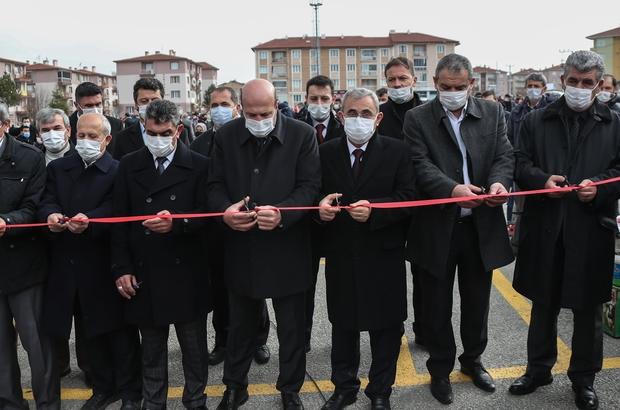 Kütahya'da Dumlupınar Semt Pazarı açıldı