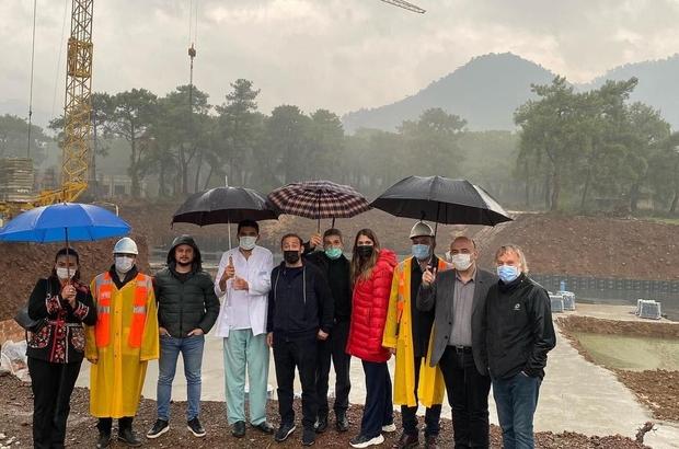 AK Parti Marmaris ilçe yönetimi yeni yapılacak olan hastane inşaatında incelemelerde bulundu