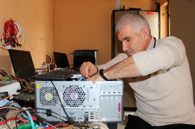 İlkokul müdürü tamir ettiği bilgisayarları öğrencilerin hizmetine sundu Reis öğretmen hayatını köy çocuklarının eğitimine adadı