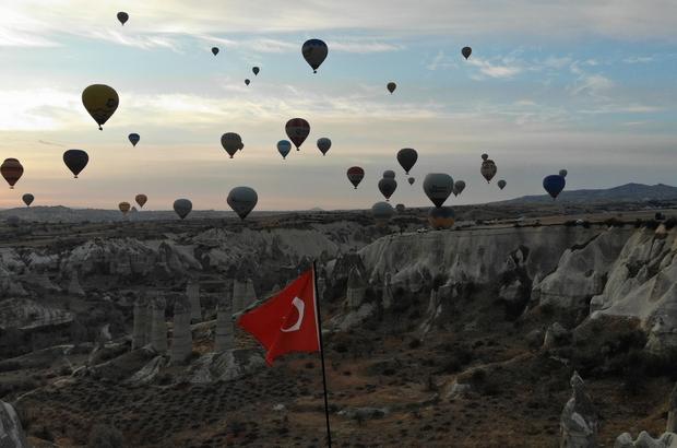 """Kapadokya'da 2023 yılında hedef 7 buçuk milyon turist Vali Becel, """"Turizmde hedefimiz 2022 ve 2023 yılı"""""""
