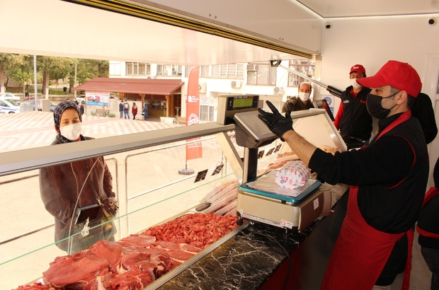 Halk Et Mobil Tır'ı yollarda Belediye eti mobil tıra yükleyip mahalle mahalle satışa başladı