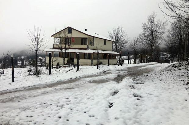 Sakarya'da yüksek kesimlere yılın ilk karı düştü Beyaz rüya geri döndü, yüksek kesimler karla buluştu