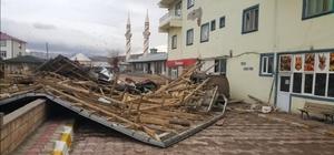 Otlukbeli'de 20'e yakın evin çatısı fırtınadan zarar gördü