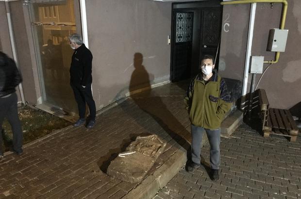 İnşaat çalışmasını balkondan izleyen vatandaşın dikkatiyle tarihi mezar steli bulundu Bursa'da inşaat alanı kazısında mezar steli bulundu