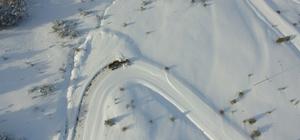 Erzincan'da 267 köy yolu ulaşıma kapandı Karla mücadele çalışması havadan görüntülendi