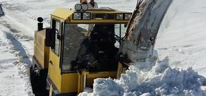 Büyükşehir'in 'kar' timi ilçede kapalı yol bırakmıyor