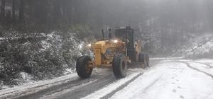 Aydın'da karla mücadele çalışmalarına başlandı