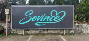 Çayırova'da 'Sevince' afişleri merak uyandırdı