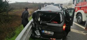 TEM otoyolunda zincirleme kaza: 2 yaralı Kar sebebiyle kayganlaşan yolda 4 araç birbirine girdi