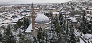 Odunpazarı beyaza büründü Karla mücadele 24 saat devam ediyor