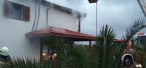 İzmir'de çatı yangını korkuttu
