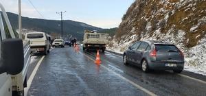 Nazilli-Beydağ yolu ulaşıma kapatıldı Jandarma zincirsiz araçların geçişine müsaade etmiyor