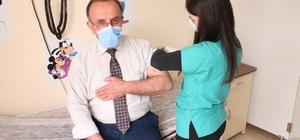 Gemerek Devlet Hastanesi Çalışanlarına Aşı Yapıldı