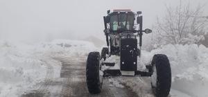 7 ilçenin mahalle yollarında karla mücadele devam ediyor