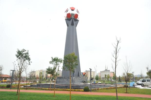 'Türk futbolunun en acı günü' 32 yıl sonra anıtlaşıyor 'Samsunspor Anıtı' 32 yıl sonra Büyükşehir Belediyesi tarafından yapılarak Millet Bahçesi'ndeki yerini alıyor