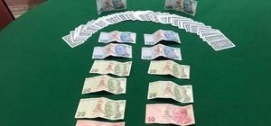 Sosyal mesafeyi hiçe sayıp kumar oynayanlara ceza yağdı