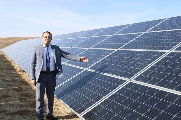 Belediye güneşi paraya çevirdi, yıllık gelir hedefi 500 bin TL Sivas'ın Altınyayla Belediyesi, ilçeye kurulan Güneş Enerji Santrali'yle yıllık 402 Bin KW'lık elektrik üreterek 500 bin TL gelir elde etmeyi hedefliyor