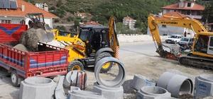 Kavaklıdere'deki 11 milyonluk yatırımda sona gelindi Muğla Büyükşehir Belediyesi Su ve Kanalizasyon İdaresi (MUSKİ) tarafından Kavaklıdere'de 2019 yılının Ekim ayında başlayan 11 milyonluk kanalizasyon çalışmasında sona gelindi.