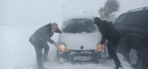 Edirne Valisi, karda mahsur kalan araçları itti Fotoğrafı gören inanamadı