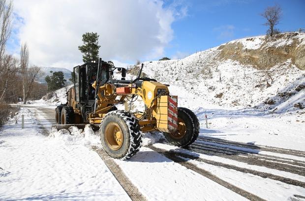 Denizli Büyükşehir 11 ilçede karla mücadele etti Büyükşehir ekipleri karla mücadele için hazırda bekliyor