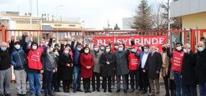 Hürriyet'ten grevdeki işçilere anlamlı destek