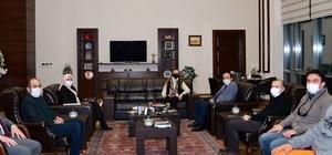 Dokuz Eylül Üniversitesi Rektörü Prof. Dr. Hotar'dan ETÜ Rektörü Prof. Dr. Bülent Çakmak'a ziyaret