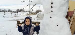Kar çocukları sevindirdi
