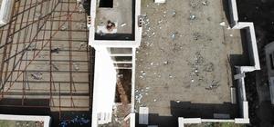 Böyle hırsızlık ne görüldü ne duyuldu İnşaat halindeki termal otelin çatısını çalıp kaçtılar Cezaevinden izinli çıkıp hırsızlık yaparken yakalandı