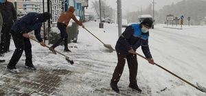 Kuluncak'ta yoğun karla mücadele
