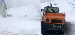 Tunceli'de karla mücadele çalışmaları sürüyor