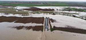Tekirdağ'da yollar ve tarlalar sular altında kaldı