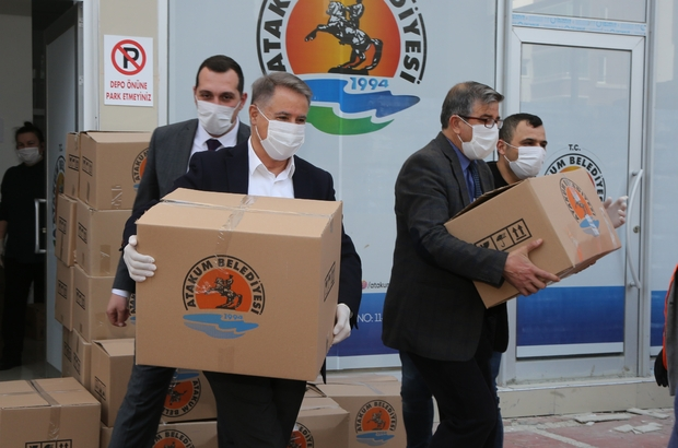 Atakum'dan 2020'de 13 ilçeye 3 bin 550 koli giyim yardımı Atakum Belediyesi 2020'de dayanışmayı Türkiye'ye yaydı