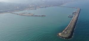 Ünye Limanı büyütülüyor Ünye Limanının Karadeniz'e kıyısı olan 6 ülkenin limanından daha büyük liman haline getirilmesi hedefleniyor