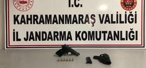 Jandarmanın trafik denetiminde ruhsatsız silah ele geçirildi
