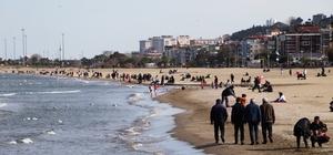 Samsun 26,5 dereceyi gördü, vatandaşlar sahillere akın etti