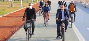 Başkan Tarhan, Kışın İşe Bisikletle Gitme Gününde de belediyeye bisikletle gitti
