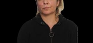 Suç makinesi kadın, infaz dedektiflerinden kaçamadı Adana'da silahlı yağma, yaralama, kumara yer ve imkan sağlama, fuhuşa teşvik ve aracılık etme suçlarından 20 yıl 6 ay hapis cezası ile 82 bin 500 lira para cezasıyla 2014 yılından bu yana aranan kadın yakalandı