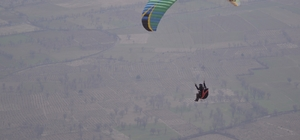Terörden arındırılan bölge yamaç paraşütçülerinin gözde mekanı haline geldi