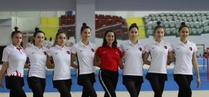 Olimpiyatlara giderek bir ilki başarmak istiyorlar Avrupa Şampiyonası'nda şampiyon olan Ritmik Cimnastik Büyükler Milli Takımı, Mersin'de kampa girdi