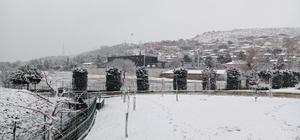 Balıkesirliler güne karla uyandı