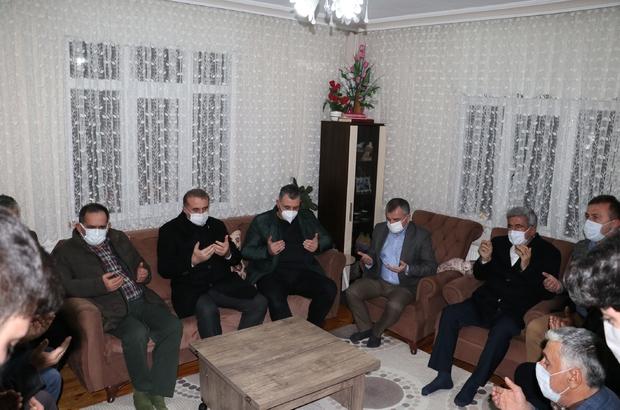 Başkan Demir ve Milletvekili Çilez'den Havza Belediyesi çalışanının ailesine taziye ziyareti