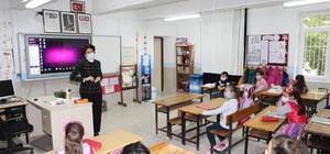Antalya'da köy okulları yüz yüze eğitime başladı 166 okulda  65 bin 941 öğrenci ve  2 bin 235 öğretmen için ders zili çaldı