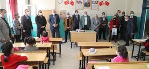 Başkan Güder, yüz yüze eğitimin ilk gününde öğrencilerle buluştu