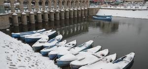 Beyşehir ve Derebucak'ta kar yağışı