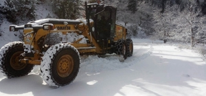 Büyükşehirden kar mesaisi Ekipler karla mücadele için hazır bir şekilde bekliyor