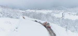 Büyükşehir'den kar mesaisi Büyükşehir Belediyesi, hasta vatandaşları sağlık merkezine ulaştırıyor